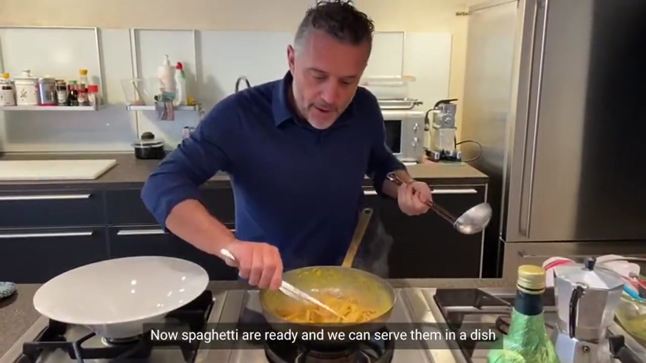 Try to cook at home Italian spaghetti Carbonara, learn how to prepare this Italian famous dish looking at this video, where the Michelin starred chef Giancarlo Perbellini shows you all the ingredients and steps of the Carbonara recipe